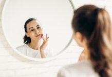 Trądzik hormonalny - skąd się bierze?